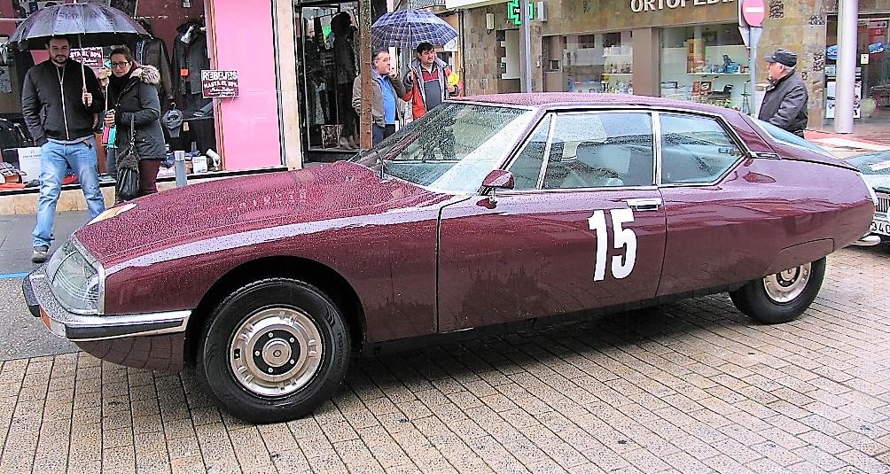 Jaguar XK 150 del año 1959, procedente de Gijón (Asturias), estacionado en A Rúa de Valdeorras.