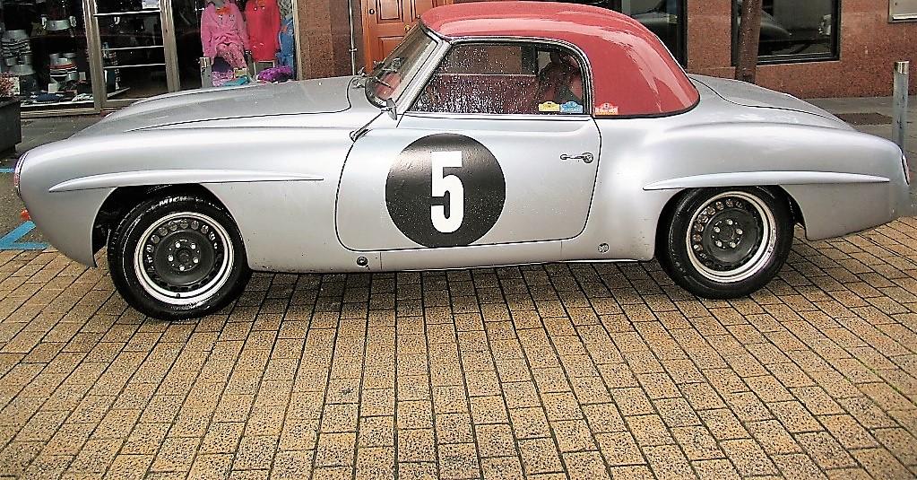Mercedes 190 SL de 1955 de Oporto (Portugal), que participó en el Rali de Invierno.