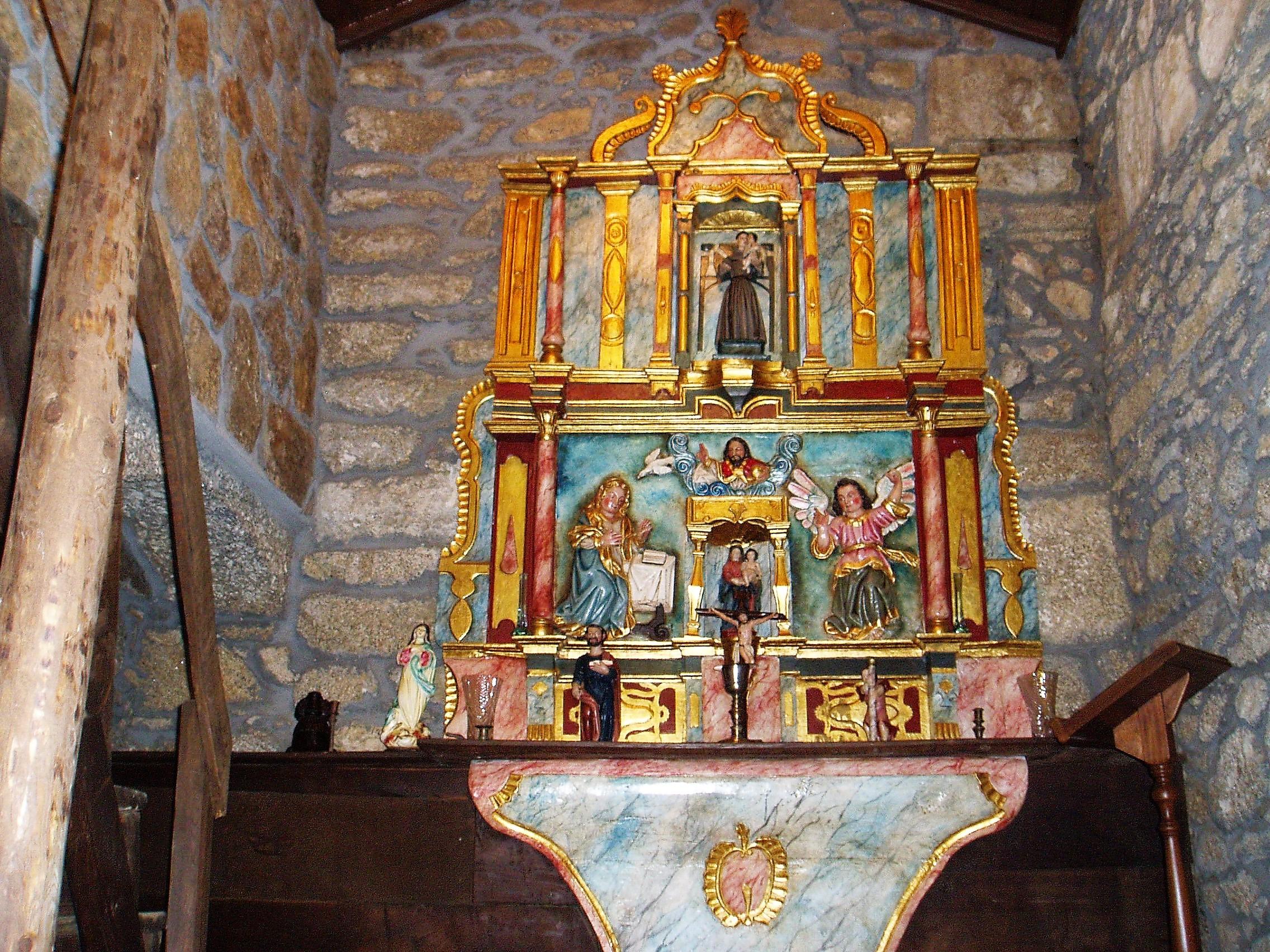 Altar casa capilla de Casasola