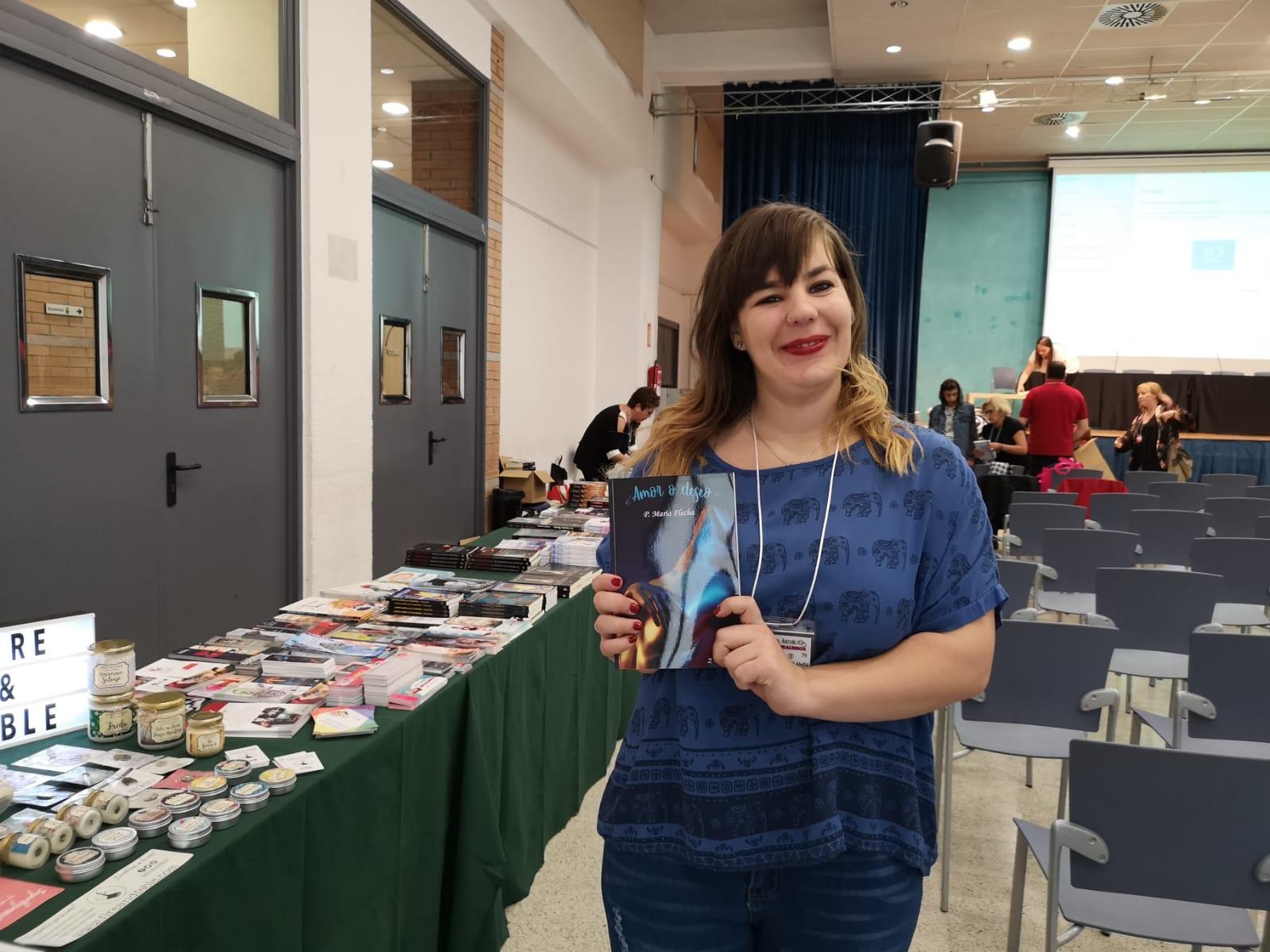 """P. María Flecha, la escritora romántica: """"mi sueño es vivir de la literatura"""""""