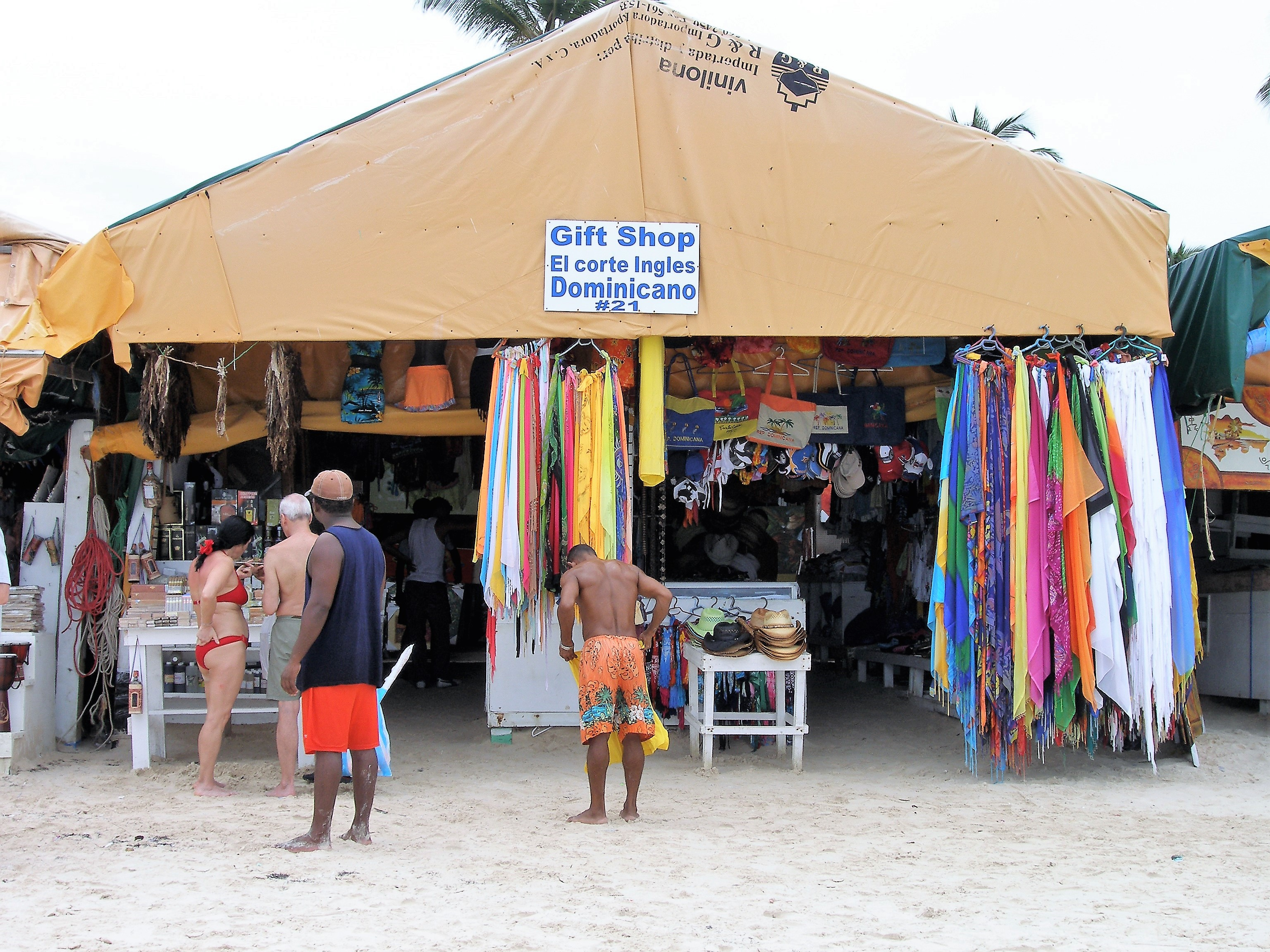 Puesto sobre la arena de Playa Bávaro