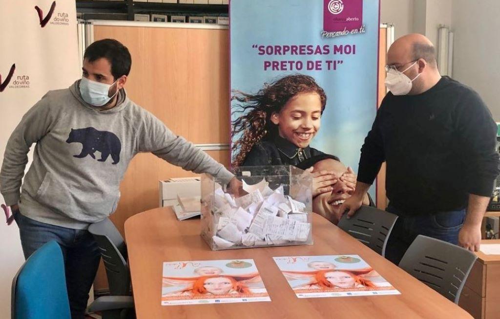 Dos ganadoras en la campaña del Día de la Madre del Centro Comercial Aberto O Barco