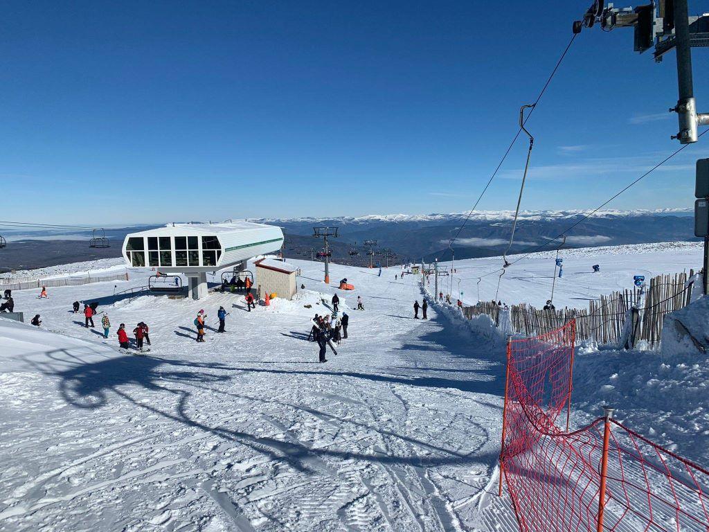 La estación de esquí de Manzaneda abrió con seguridad anti-COVID