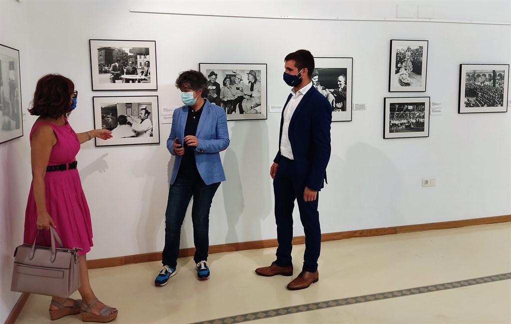 """Exposición de fotografía en Trives: """"Nós tamén fomos emigrantes"""""""