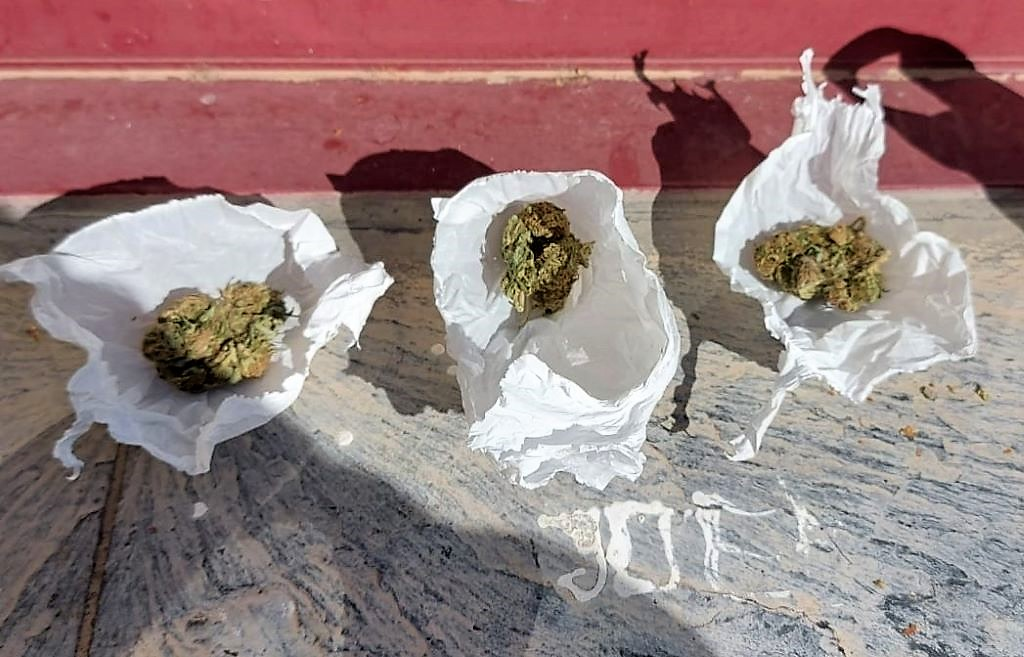 Incautan marihuana en la zona escolar de O Barco